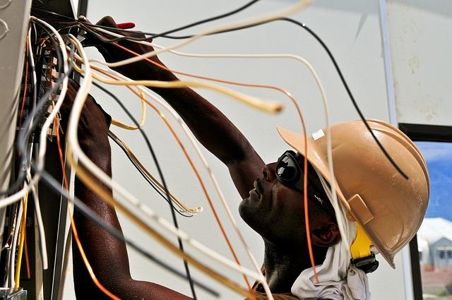 בדיקות תקופתיות של חשמל